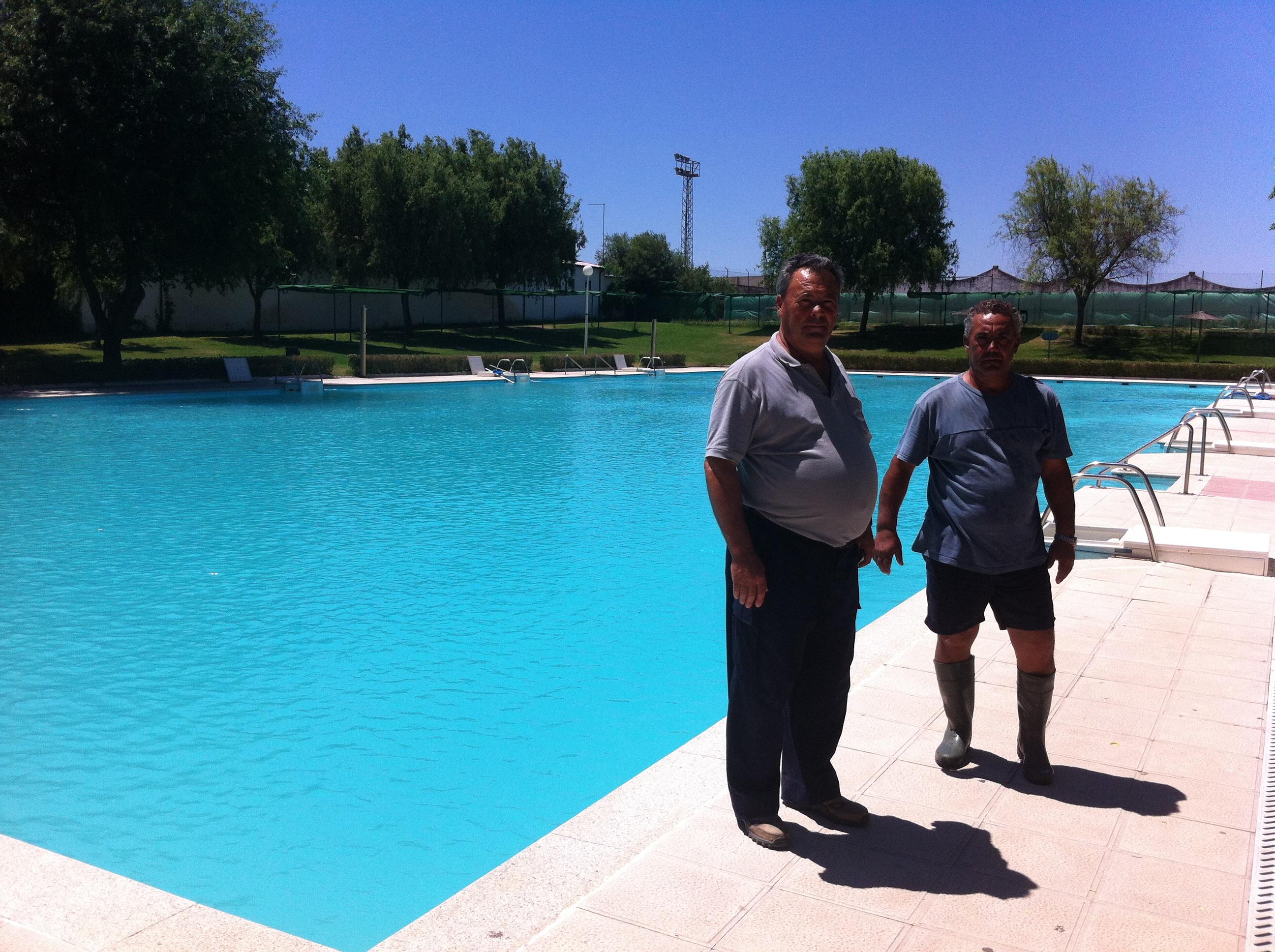 La piscina municipal abrir el 23 de junio arroyodelaluz for Piscina municipal caceres